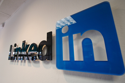 LinkedIn Changes Ability to Message Group Members