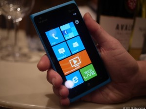 The Nokia Lumia 900 (Credit: Bonnie Cha/CNET)