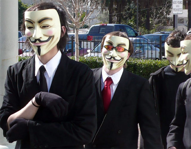 ANONYMOUS Vows Destruction of Facebook on Guy Fawkes Day | ZDNet