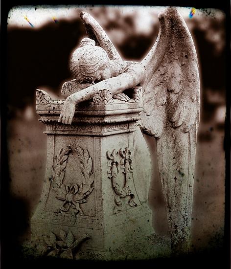 http://i.zdnet.com/blogs/weeping-angel.jpg